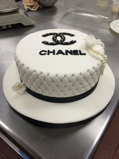 Cake delivery in Pune, Maharashtra